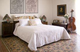 decorar-baldosas-hidraulicas-dormitorio2