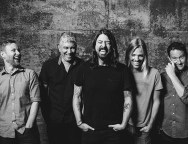 foo-fighters-e-the-kills-no-nos-alive