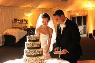 Westin Itasca Wedding Cake Cutting