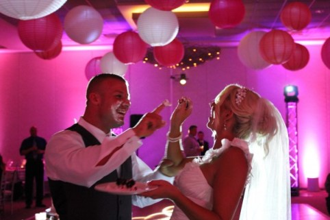 Belvedere Banquets Wedding Cake Cutting