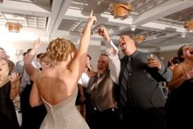 Bride singing at Holiday Inn Mart Plaza Wedding