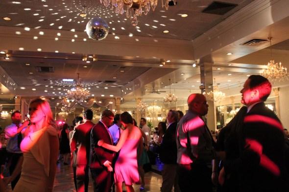 Chicago Wedding DJ filling the dance floor