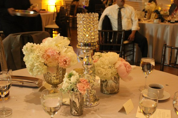 Fluer beautiful centerpieces at the Chicago History Museum Wedding