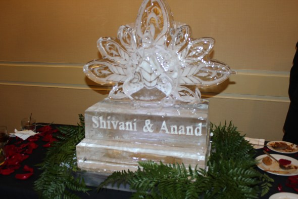 Marriott Schaumburg Wedding Ice Sculpture