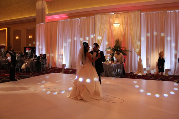 JW Marriott Chicago Wedding First Dance