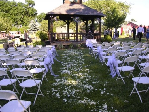 Royal Oak Farm Orchard Rustic Chic Wedding Venue Gazebo