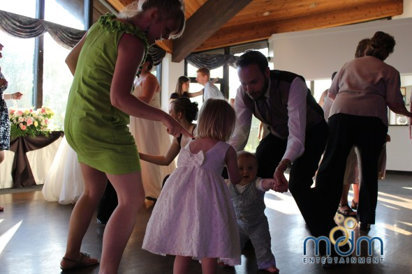 Dancing at White Pines wedding
