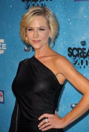 51797_julie_benz_spike_tvs_scream_2009-002_122_225lo