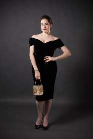 sweet-nothings-reviews-the-pretty-dress-velvet-fatale-2-682x1024