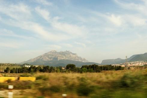 Montserrat, dinspre Barcelona