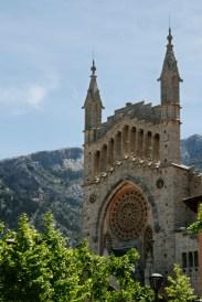 Soller, Catedrala și Tramuntana în spate