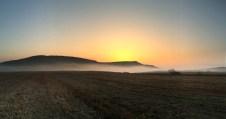 Se ridică soarele peste lacurile Fărăgău