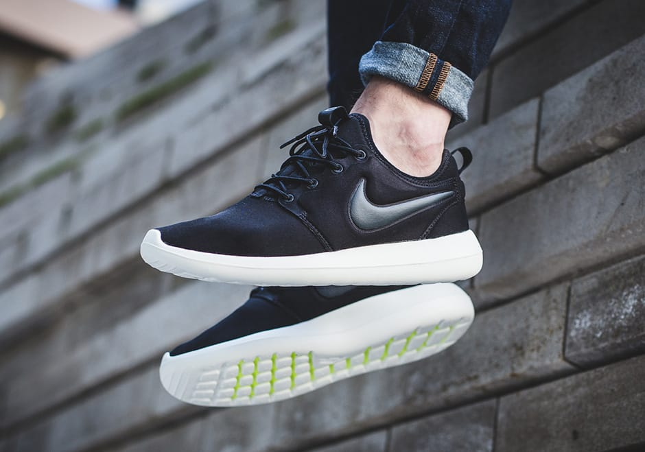 Nike Roshe Black shoes