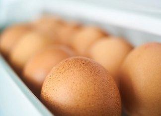 Πως τοποθετούμε τα αβγά στο ψυγείο ή την αβγοθήκη;