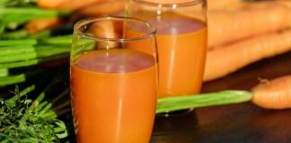 Φτιάχνω κομπρέσα με χυμό καρότου