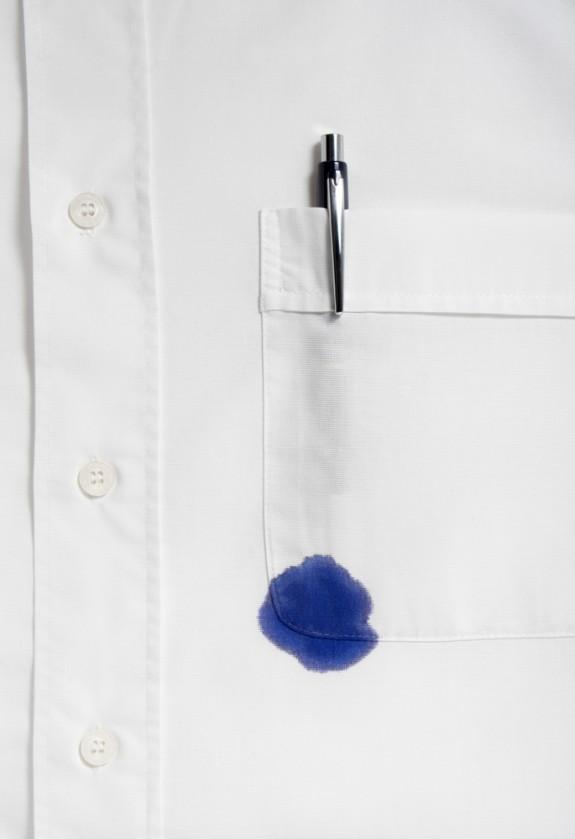 Αν το στιλό λερώσει το ρούχο, υπάρχει κόλπο!