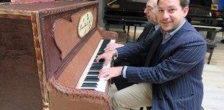 Πιάνο φτιαγμένο από σοκολάτα