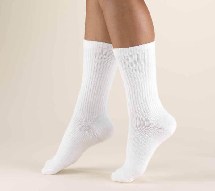 Λευκές κάλτσες πολύ λερωμένες