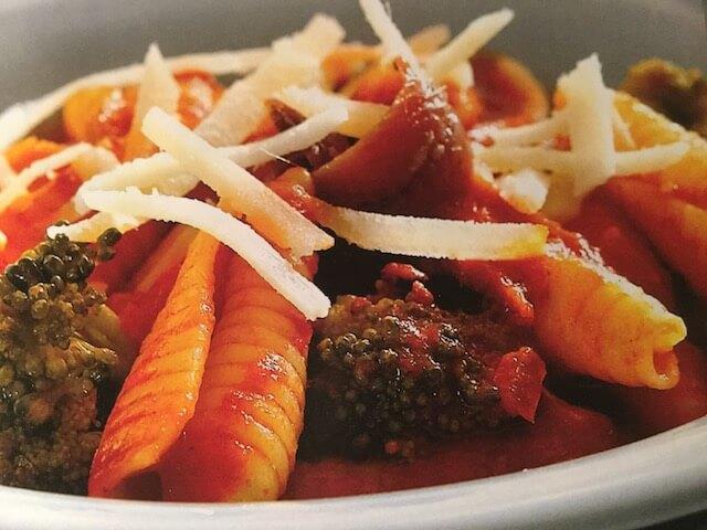 Ζυμαρικά σούπα με μπρόκολο