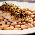 Φασόλια χάντρες με ψάρι κρούστα