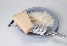 Καθαρίζουμε τον τρίφτη τυριού