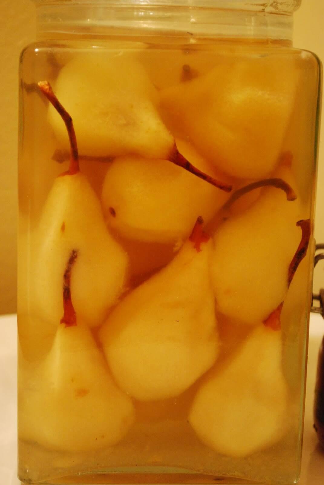 Αχλάδια σε τσίπουρο