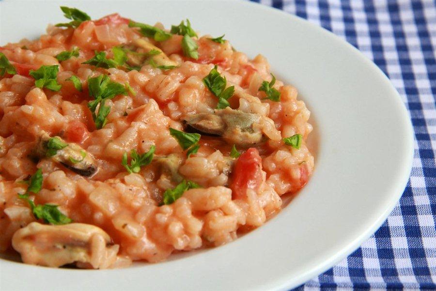 Πιλάφι με μύδια - Καλογηρική μαγειρική