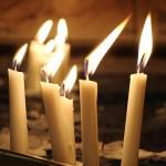 Μικρό κηροπήγιο μεγάλο κερί