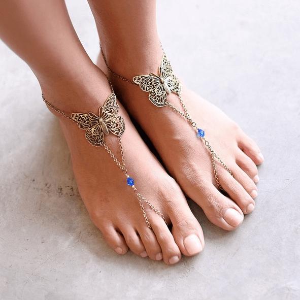 Όμορφα ξυπόλυτα πόδια