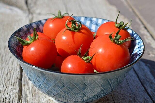 Το κόλπο για να μαλακώσουν οι ντομάτες