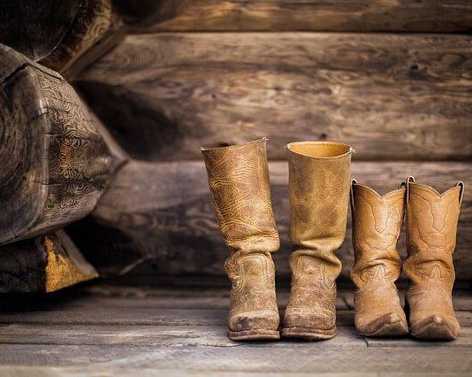 Για να μη διπλώνουν οι μπότες στη ντουλάπα