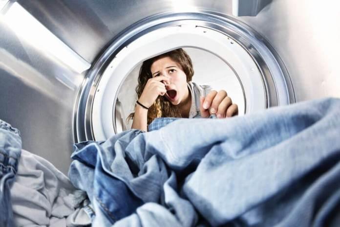 Γιατί τα ρούχα που βγάλατε από το πλυντήριο μυρίζουν άσχημα;