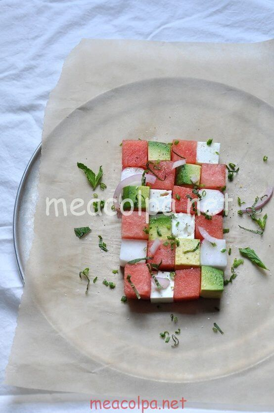 Νόστιμη, δροσιστική σαλάτα – μεζές