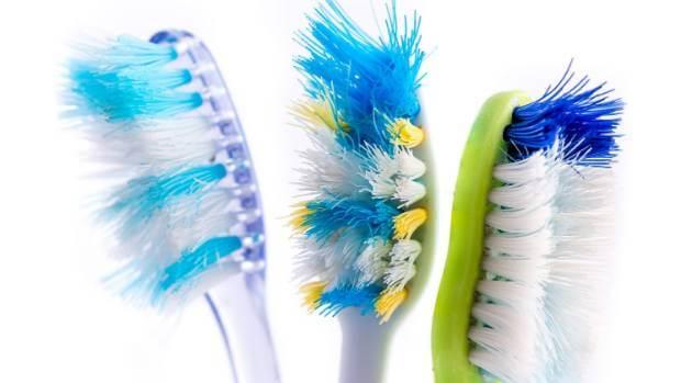 Η οδοντόβουρτσα θα σε ξελασπώσει