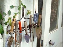Τα εργαλεία στη τζουγκράνα