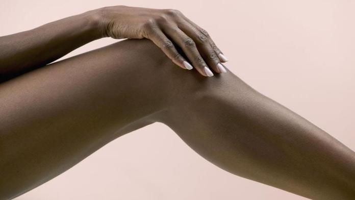 Πως θα κάνετε την τέλεια απολέπιση σε αγκώνες και γόνατα