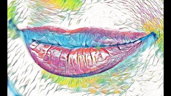 Κάντε απολέπιση στα χείλη με αγνά υλικά