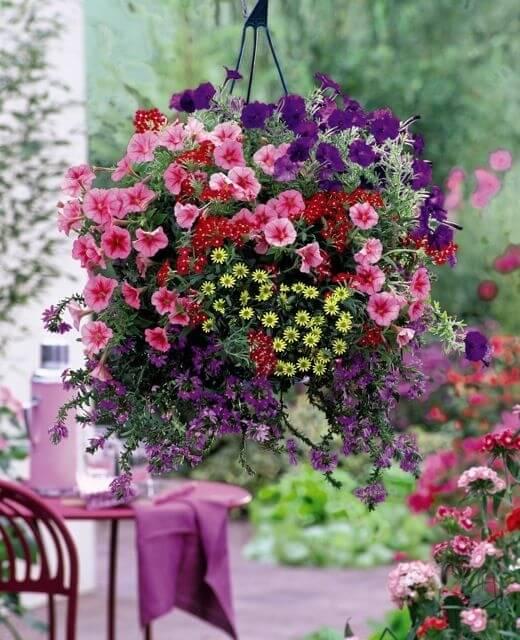 11 κρεμαστοί κήποι για μέσα και έξω από το σπίτι