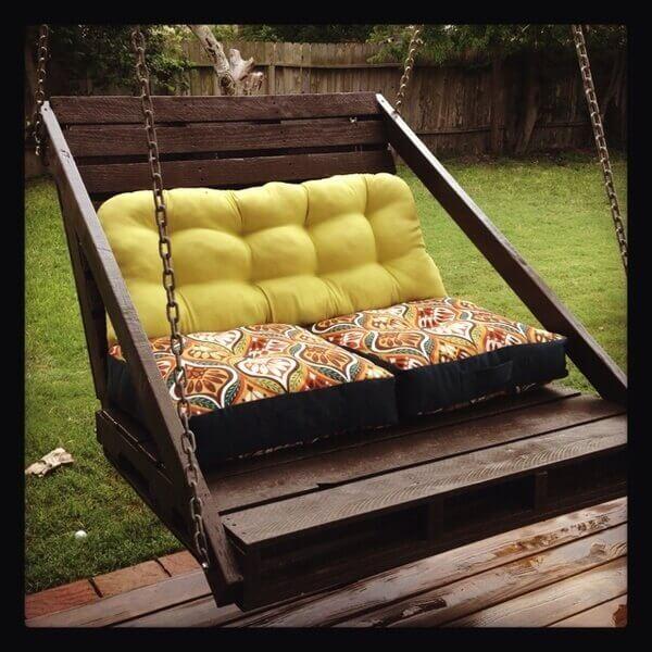 Φτιάξε κούνια για βεράντα ή κήπο με παλέτες