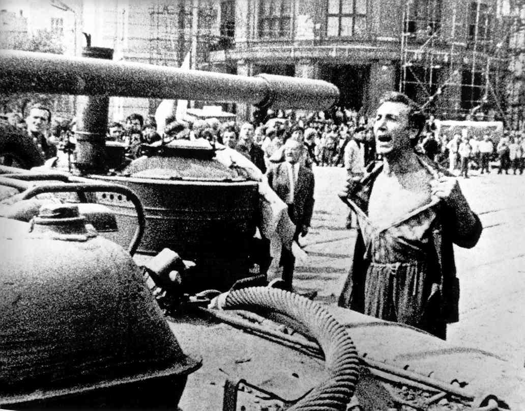 20 Αυγούστου 1968, τότε που η Σ. Ενωση εισέβαλε στην Τσεχοσλοβακία
