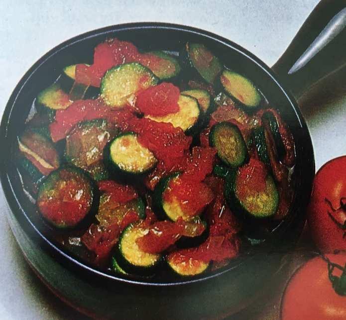 Κολοκυθάκια με τομάτες