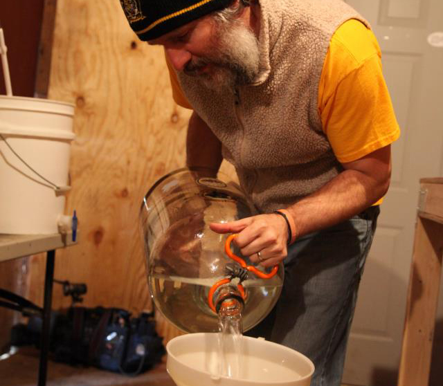 Bill Cavender working in the Mead Lab