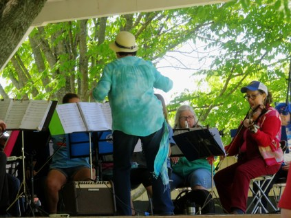 The Community Fiddle group entertained everyone with great toe stomping music.