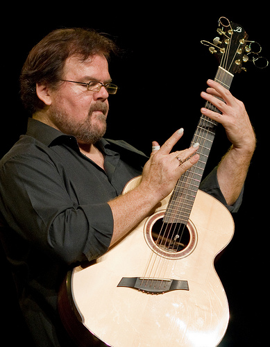 Influential Guitarist Don Ross at Heartwood Hall this Week