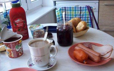 Ja cfare konsumohet per mengjes ne 25 vende te botes.
