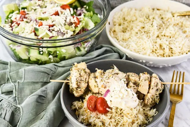 Instant-Pot-Greek-Chicken-Skewers_dinner