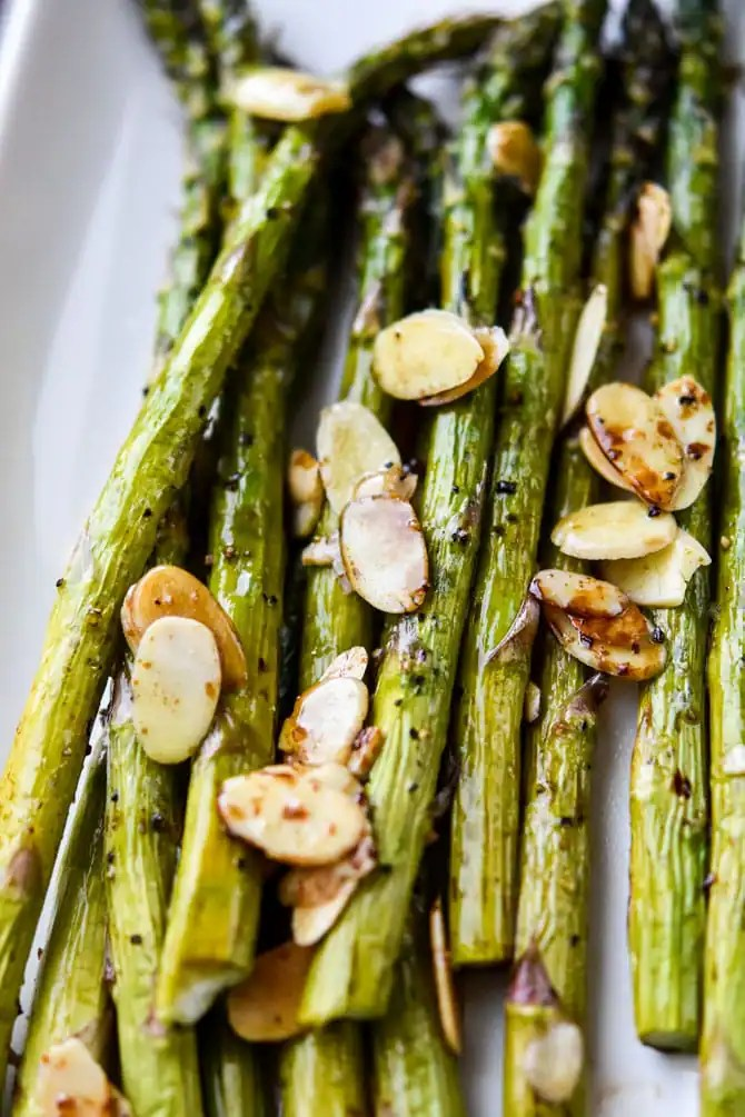 Air Fryer Balsamic Asparagus with Sliced Almonds_4