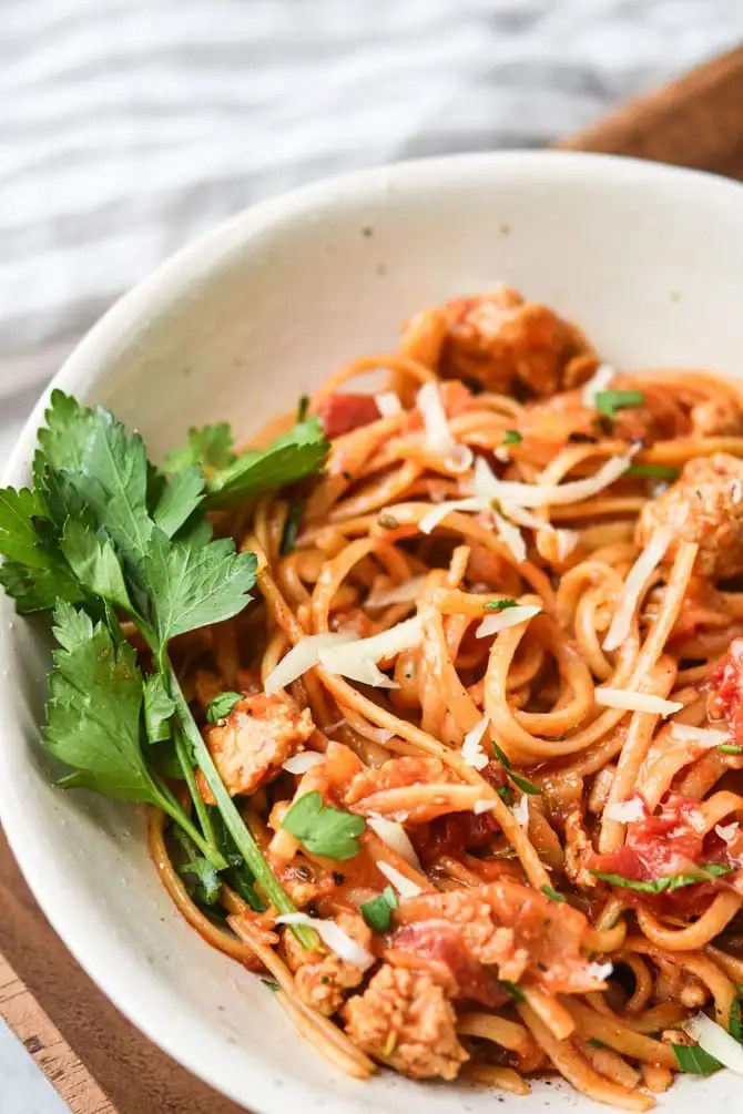 asy One Pot Linguine with Italian Sausage plated with parsley