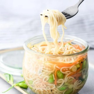 Mason Jar Instant Noodle Cups noodle pull with light noodles
