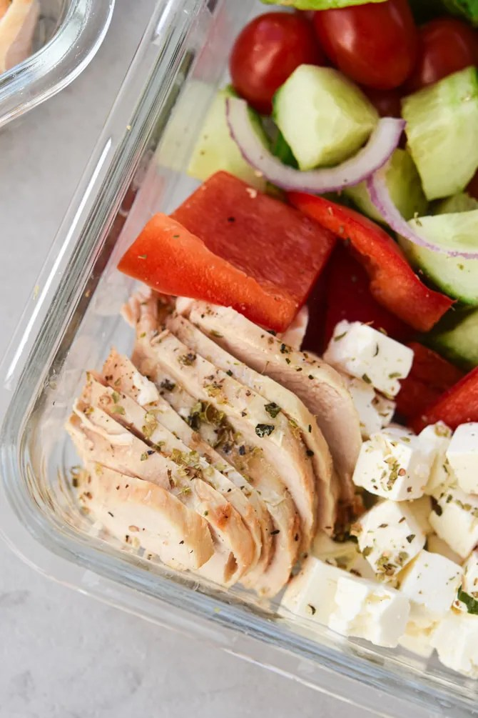 Mediterranean-chopped-Chicken-meal-prep-chicken-sliced-thin